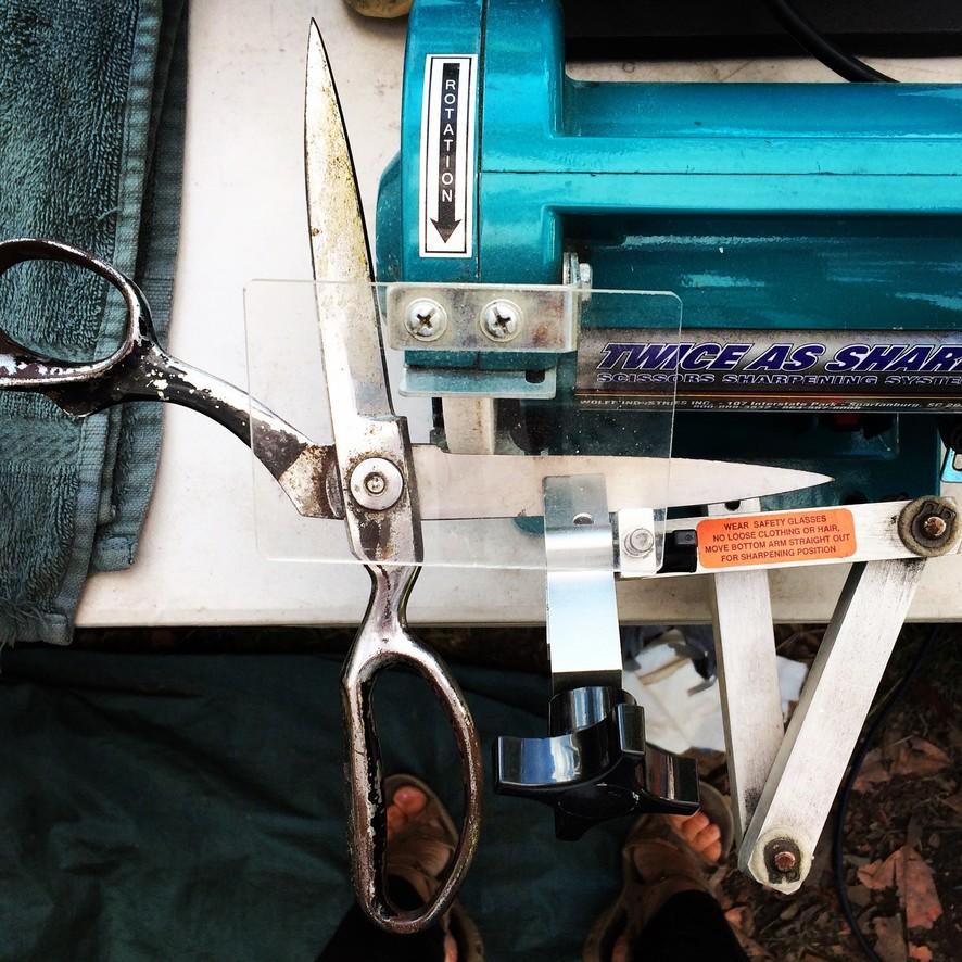 Scissors sharpening